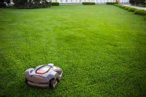 The Best Robot Lawn Mower for 1, 2 and 5 Acres 1