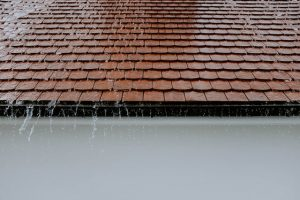 How to Fix a Leaking Roof: A Step-by-Step Guide 1